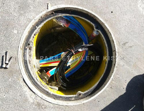 Telecommunication manhole